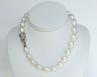 Elegant Freshwater Pearl Necklace with Cubic Zirconia Tiger Clasp
