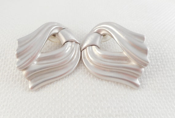 Vintage 1980's Rare Monet Drape Bow Earrings 80's… - image 1