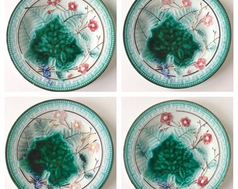 Majolica. Majolica plate. French majolica. Antique majolica. French country. Majolica Greek key and ferns plate. Majolica green leaf