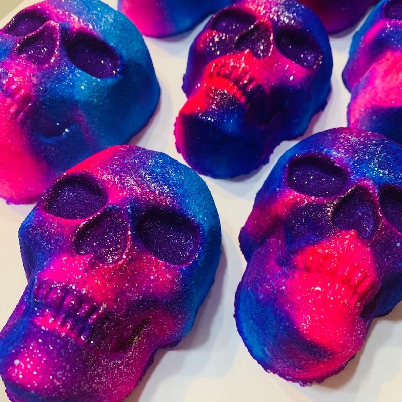 Skull Bath bomb fruity scent Skull gift Skull lover image 0