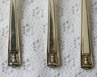 Set of Five Holmes & Edwards Spoons from 1923, Century Holmes and Edwards Silverplate Spoons, Century Pattern