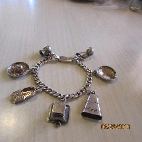 Large Mexico Sterling Silver Charm Bracelet RO51