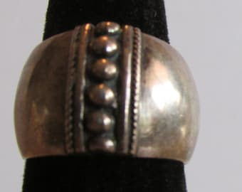 Vintage Wide Sterling Silver Band Ring With 6 Silver Beads  Size 6
