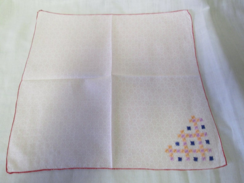 Beautiful Pink White circles hanky with embroidered corner red trim Wow what a neat handkerchief collectible display cottage shabby chic