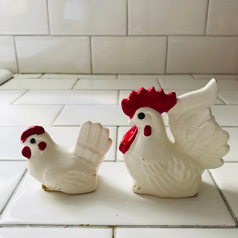 Vintage Salt and Pepper Shaker White Chicken and Rooster Collectible farmhouse display tableware cottage retro kitchen