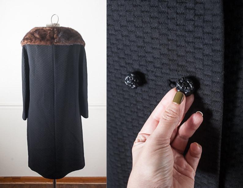 Double Breasted Black Coat Vintage Black Winter Coat with Fur Collar Pea Coat 60s Clothing Retro 60s Coat Black Jacket 60s Fur Coat