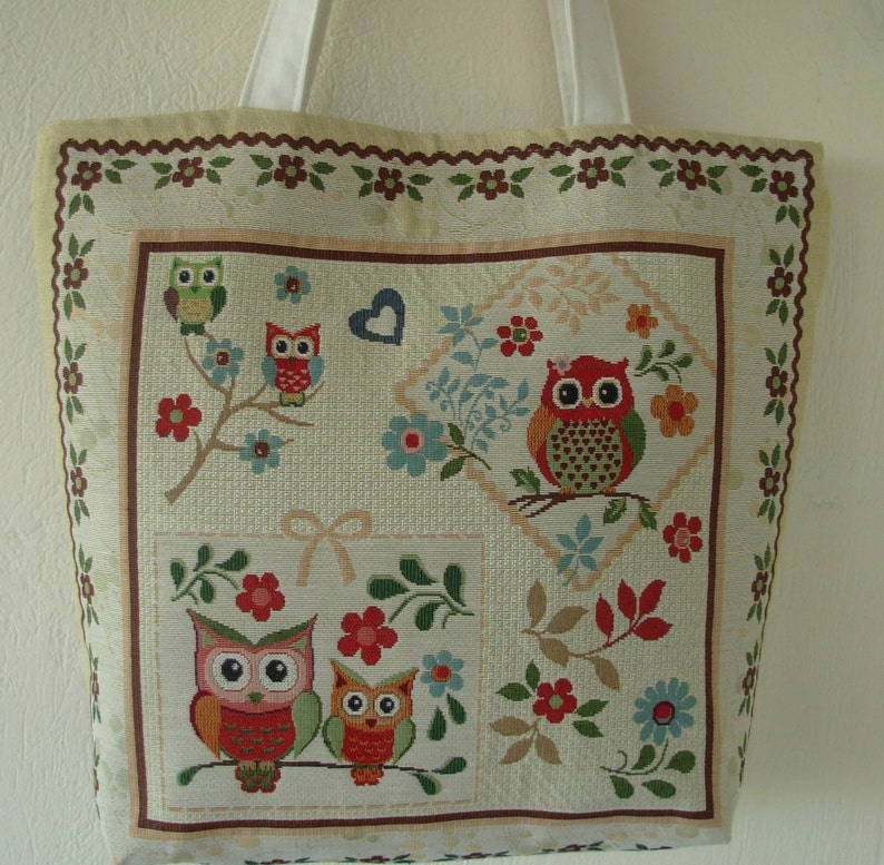iPod Tote Red Hand Bag Beach Bags Totes Great Gifts for Birthday. Owl Tote Bag