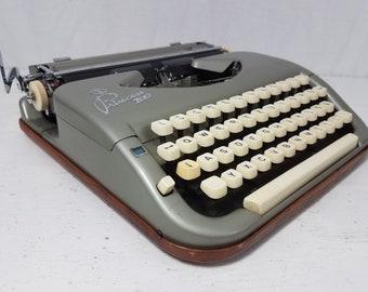 Gorgeous and Rare Princess 200 1950s Working Typewriter & Case w/Manual! Free Shipping to Lower 48!