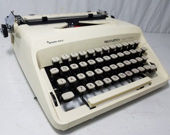 """Beautiful & Clean Retro Remington """"Ten Forty"""" Working Typewriter and Case - Free Shipping to Lower 48!"""