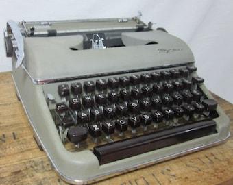 Gray Olympia SM3 1957 Working Mid-Century Typewriter & Case!
