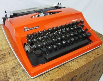 Beautiful Orange Adler Contessa Vintage Typewriter & Case! Free Shipping to Lower 48!