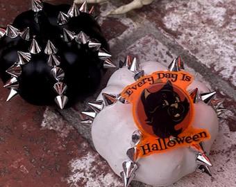 "1.5"" Every Day is Halloween Black Cat Or Pumpkin Jack O Lantern Laser Cut Acrylic Pin--Glows in UV Light!"