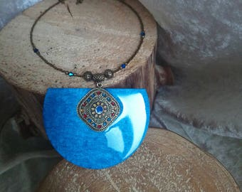 Blue moire King metal baroque style bronze necklace on wood half circle resin hand made