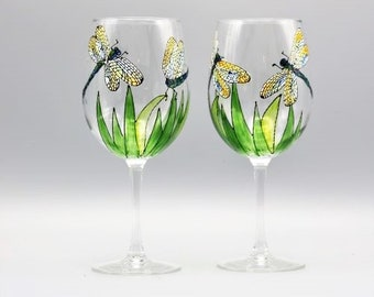 Painted Dragonfly Wine Glasses, Painted Dragonflies With Intricate Wings, Stemless Dragonfly Wine Glasses, Dragonfly lover Gift, Set of Two