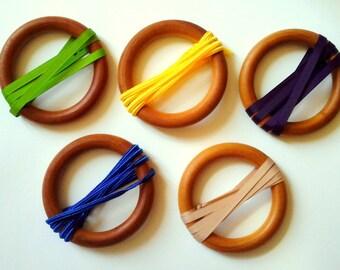 Rattle Montessori to suspend, diameter 10 cm.