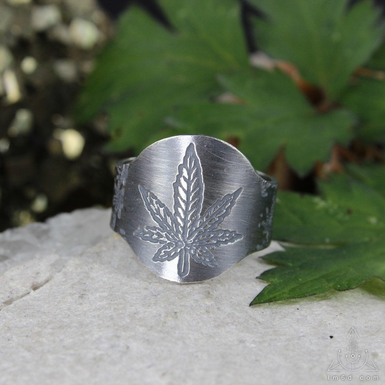 Green medicine  Hemp leaf ring  Cannabis ring  Marijuana image 0