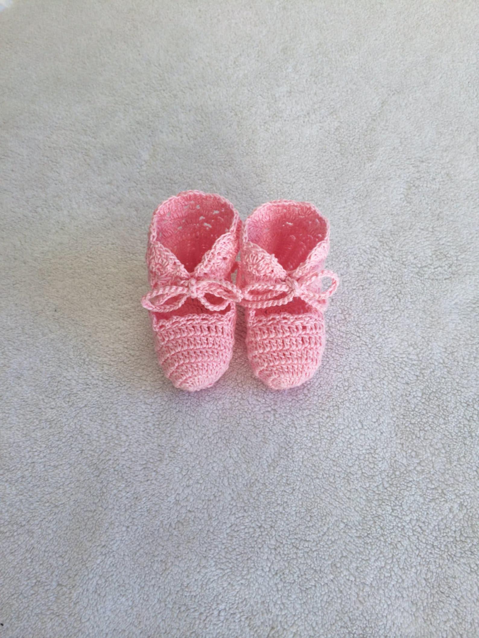 hand knit baby shoe gift - pink - baby girl booties - babyshower gift - baby gift - knit baby ballet booties - baby keepsake - e