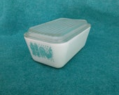 Pyrex Glass Medium 502 Refrigerator Jar Butterprint Turquoise Blue and White With Clear Continuous Ribbed Lid
