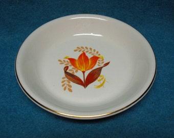 """Harker Pottery Modern Tulip Bakerite 9"""" Pie Baker"""