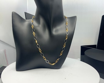Pretty 14K yellow and white gold chain necklace