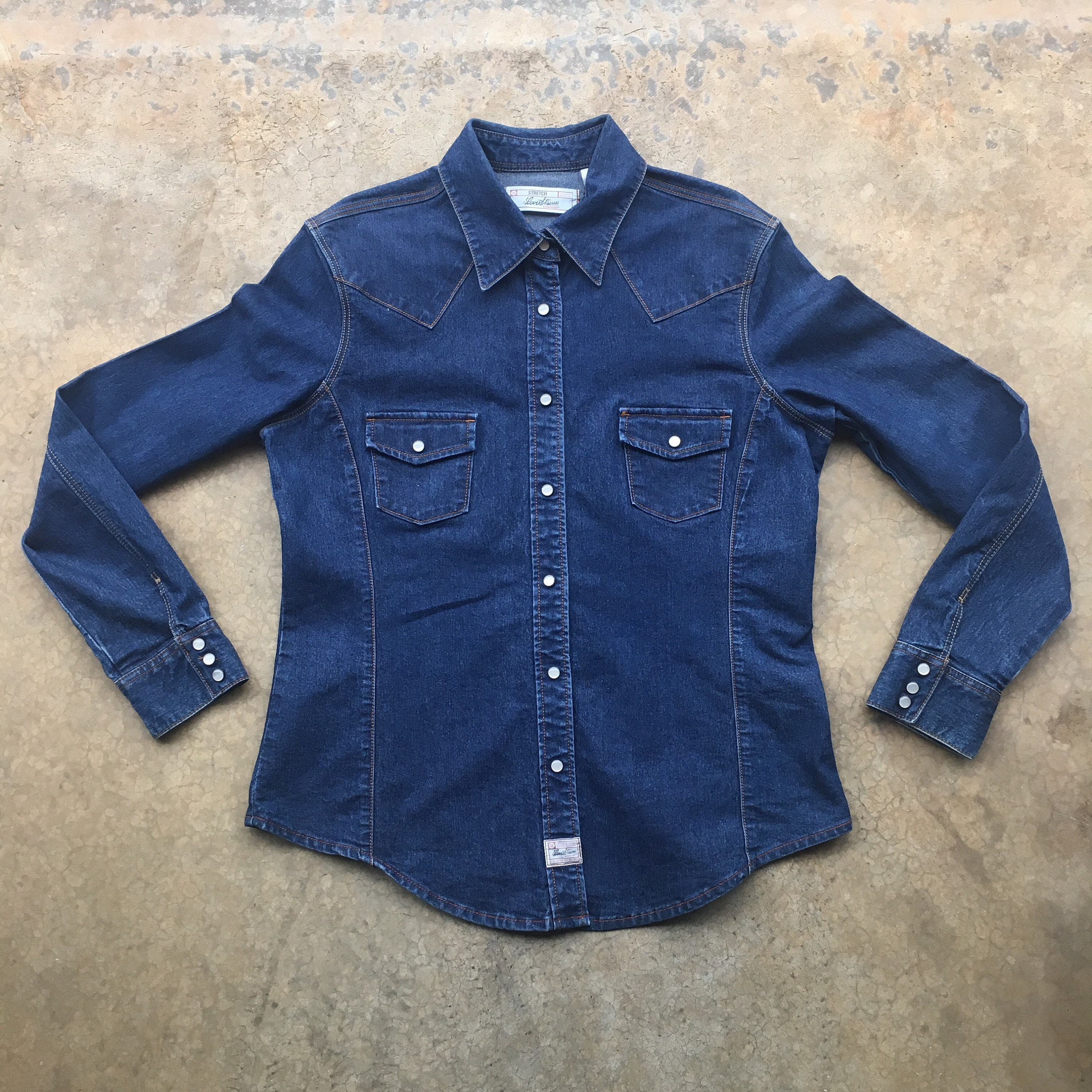 6c9709fc5f3 90s Levi s Denim Western Pearl Snap Button Up Shirt