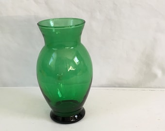 Forest Green tall glass vase made by anchor hocking in the 1960s and 1970s