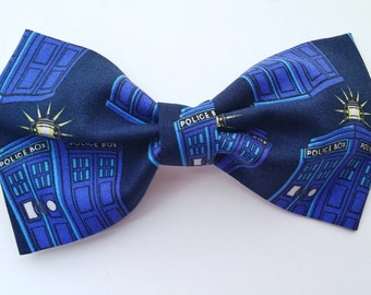 Doctor Who Tardis Bow - Dr Who, Tardis, Dr Who Hair Bow, Dr Who Bow Tie, Geek Accessories, Geek Bow Ties, Geeky Hair Bow, Dr Who Party
