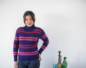 Purple Pink and Red 80s 90s Geometric Sweater M by Peregrine
