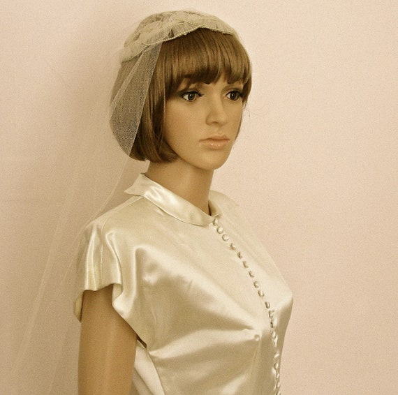 Vintage 1950s Porteous IVORY SATIN WEDDING Gown D… - image 3