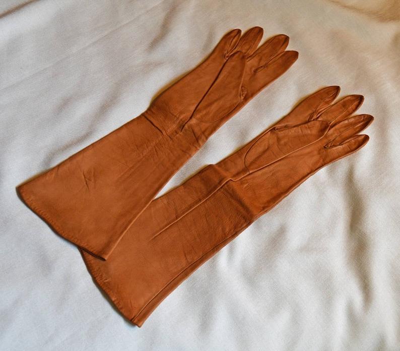 275365bc27b86 Beautiful Vintage Ladies' Leather Gloves Dark Tan | Etsy