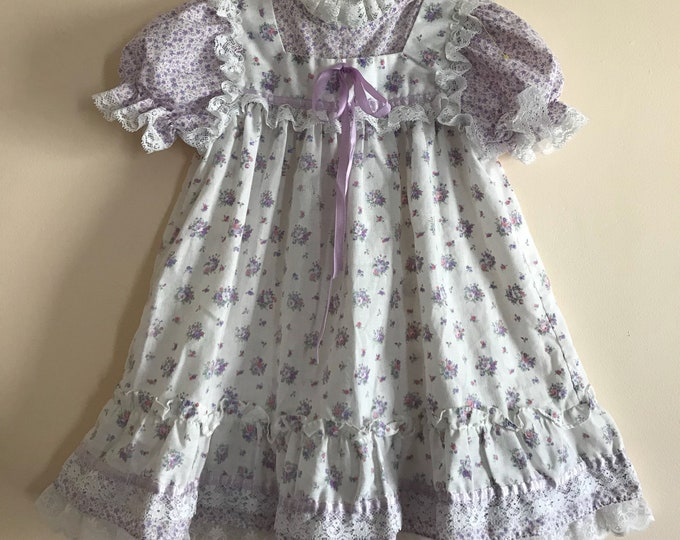 Featured listing image: 80s Baby Dress, Purple, White, Bow Age, 1980s, ILGWU, Floral, Flowers, Short Sleeves, Country Dress, Cute Dress, Vintage Baby Clothes