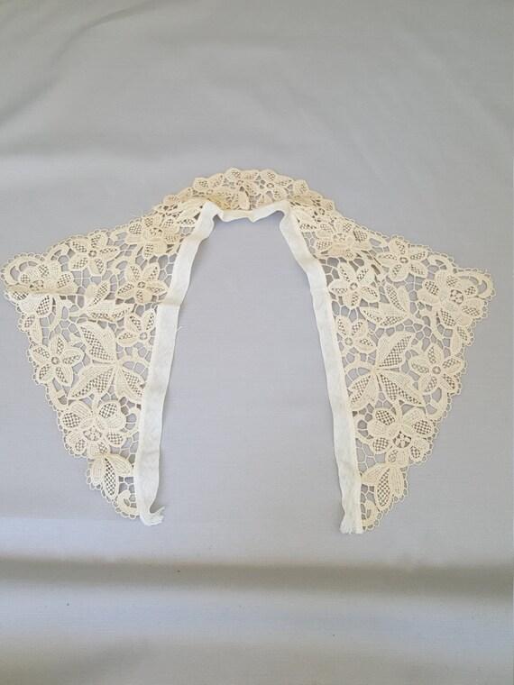 Dentelle en Vintage collier coudre en Dentelle bordure écru ou crème Honiton style floral 0763c6