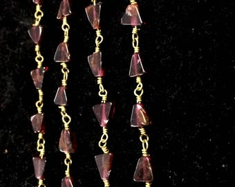 Rodholite smooth Trillion shape beads, Garnet wire wrapped rosary link chain connector, Garnet stone necklace jewelry 1 feet