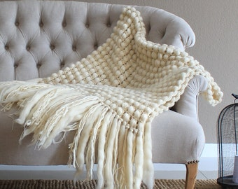 Chunky knit blanket Chunky knit throw Room decor Knitted blanket Boho decor Sofa Best sellers 50th wedding anniversary gifts Grandma gift