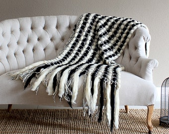 Black and white dorm, knit throw blanket, wedding anniversary parents, fringes throw blanket, housewarming gift knit, white black knit throw