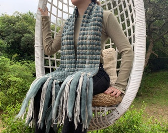 Chunky nuanced gray Scarf, Knitted Scarves, Extra long bulky scarf, Crochet, Stone gray chunky wool shawl