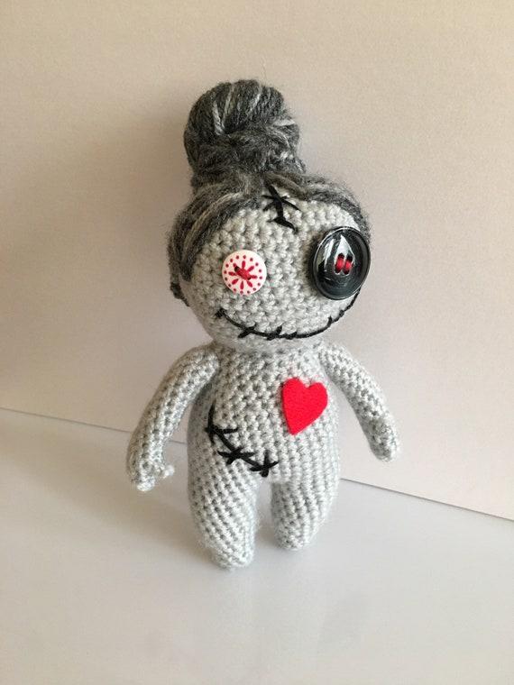 Crochet Voodoo Doll (Free Crochet Pattern) - Craftfoxes | 760x570