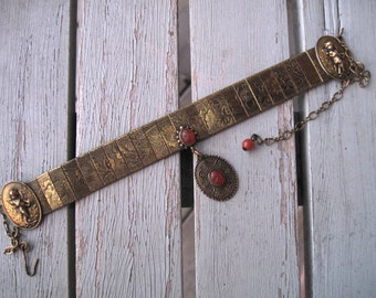 Brass etched collar -- 261