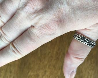 Braided band ring -- 325