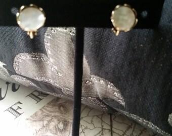 Vintage screw back earrings vintage earrings