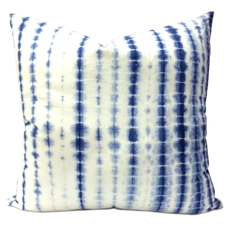 shibori pillowcase throw pillow covers boho pillows Indigo shibori cushion cover Tie dye pillows royal blue pillows blue white cushion