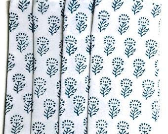 Dinner napkins / Cloth napkins/ cotton napkins / blue dinner napkins / everyday napkins/ wedding gifts/ house warming gifts