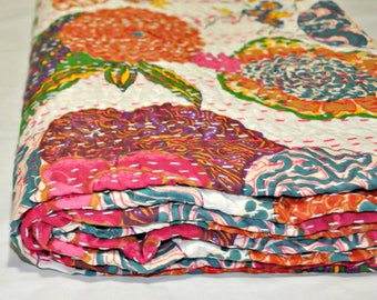 White Tropical Kantha Quilt in Queen Size Bohemian Kantha Blanket Indian Handmade Kantha Bedding Coverlet