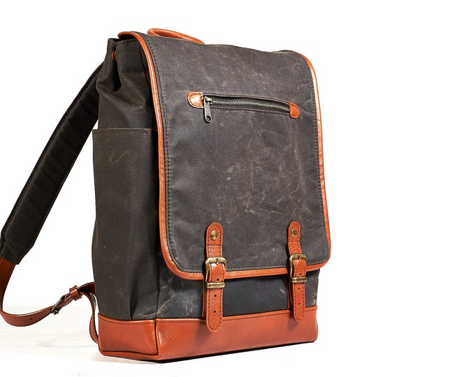 Urban laptop backpack. Waxed cotton and leather. made for 15 inch MacBooks.
