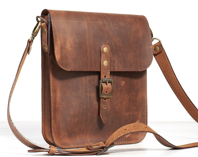 Small leather crossbody bag for tablet. Cognak crazy horse leather.
