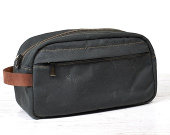 Waxed canvas dopp kit. Travel accessories.