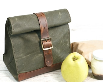 Green lunch bag. Lunch box. School lunch bag. Waxed canvas and leather lunch bag. Picnic bag. Vintage style lunch bag..