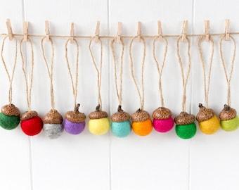 Felt Acorns x 25 Christmas Tree Decor. Rustic Christmas Ornaments. Felt Ball Acorn Decorations Gift Tags Felted Acorns Christmas decorations