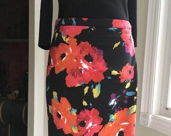 "Vintage  skirt  bold flower print pencil skirt waist 34"""