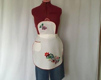 Vintage Apron Hand Embroidered Hungarian Bib Apron Kalocsa Matyo Floral Pattern